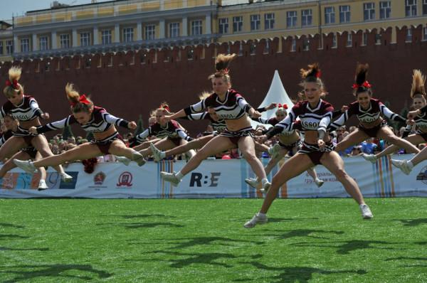 Позор в сердце России Red_Cheerleading-1