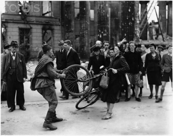 War_trophy_WWII-01