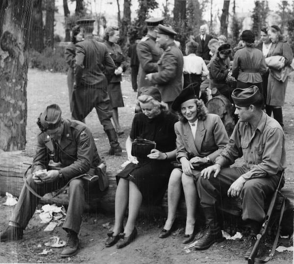War_trophy_WWII-04