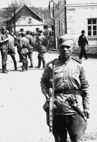 War_trophy_WWII-81