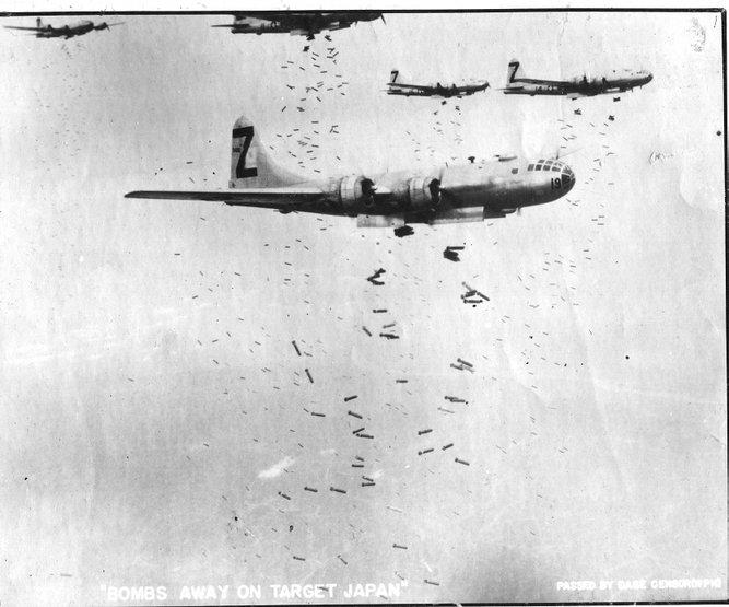 1378443093_1352325466_b-29-bombing