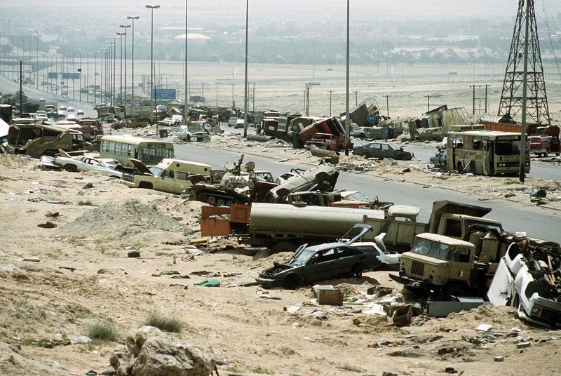 1379981843_demolished_vehicles_line_highway_80