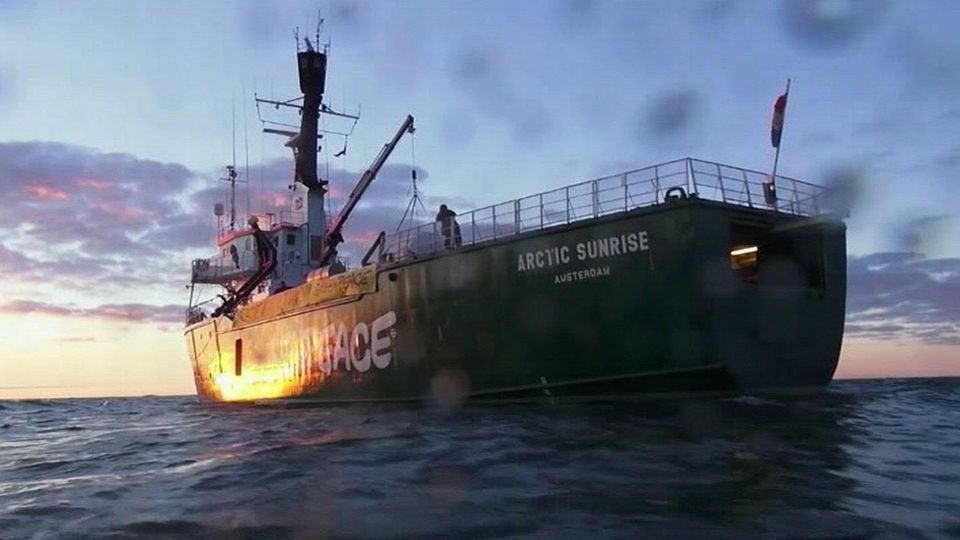 greenpeace+arctic+sunrise