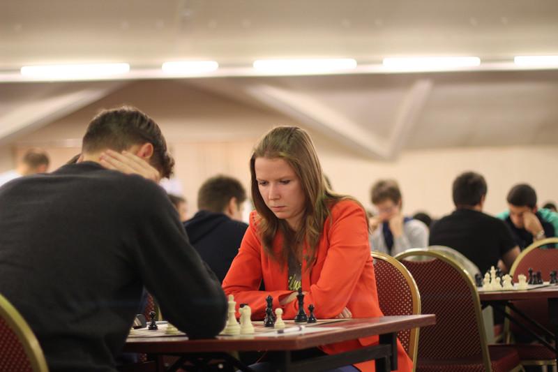 Шахматы ручной работы, 54см х 54см, дубовый ларец, фигурки стаунтон 5 высота короля - 9см, высота
