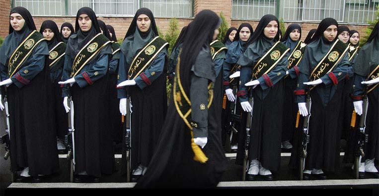 Военное училище в США рассматривает просьбу одной из курсанток разрешить ношение хиджаба