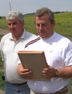 глава местного сельхозпредприятия Сергей Викторович Папушоя и его брат, главный агроном Николай Викторович Папушоя
