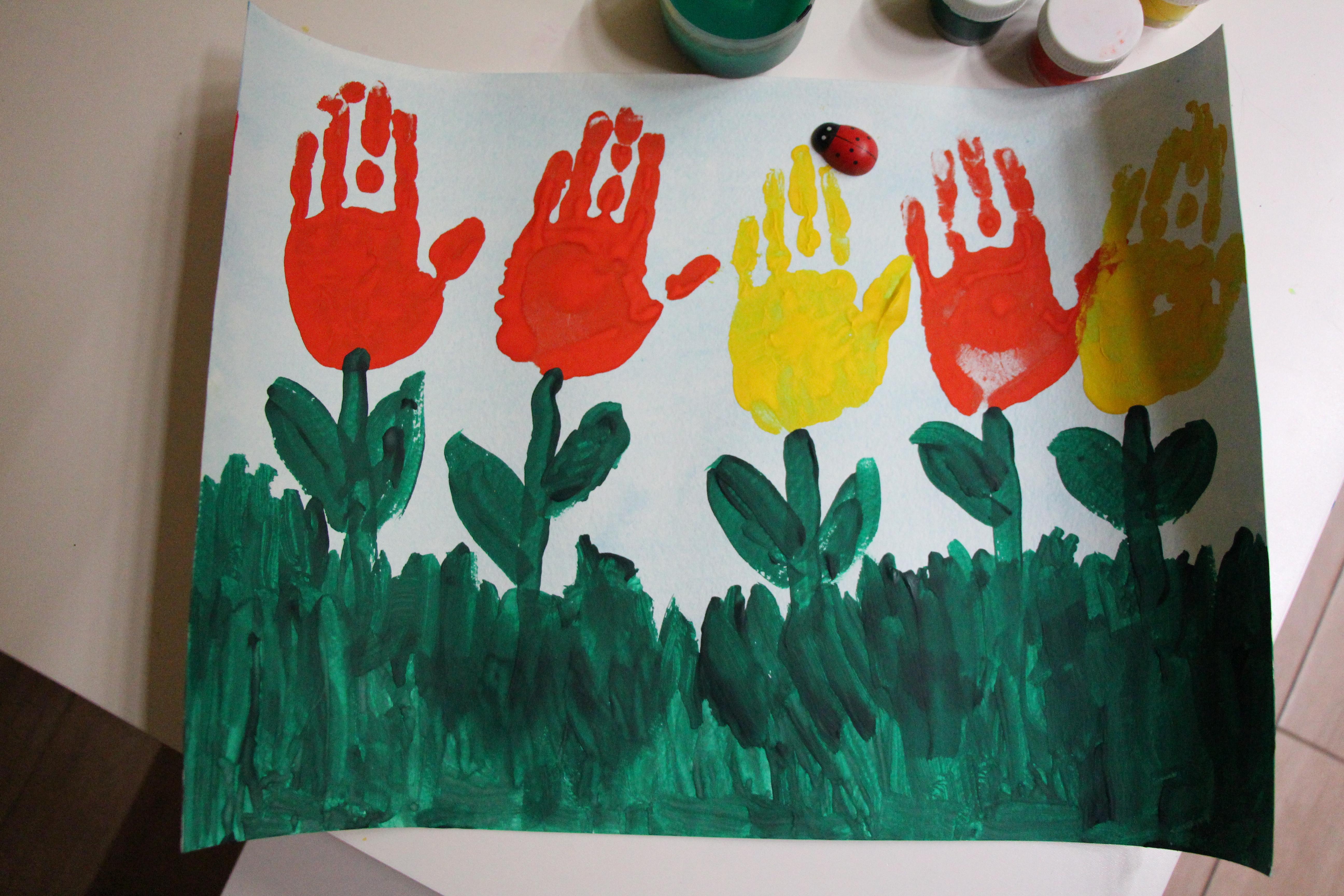 рисунки коллективная работа тюльпаны ладошками называют первым советским