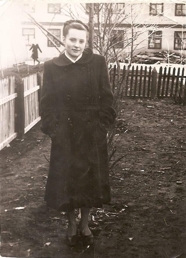 1956-58 Четвертые Раменки, место, где сейчас строят станцию метро, ближе к пожарке. Из домашнего архива Александра Одинцова6