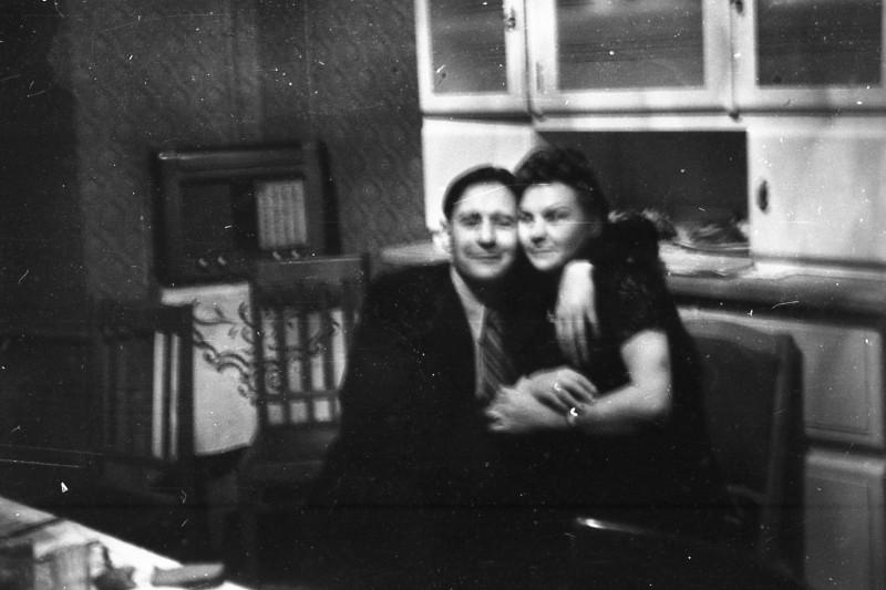 Застолье явно в квартире по Н. Ковшовой д. 15. Архив Ю.М.Кулагиной2