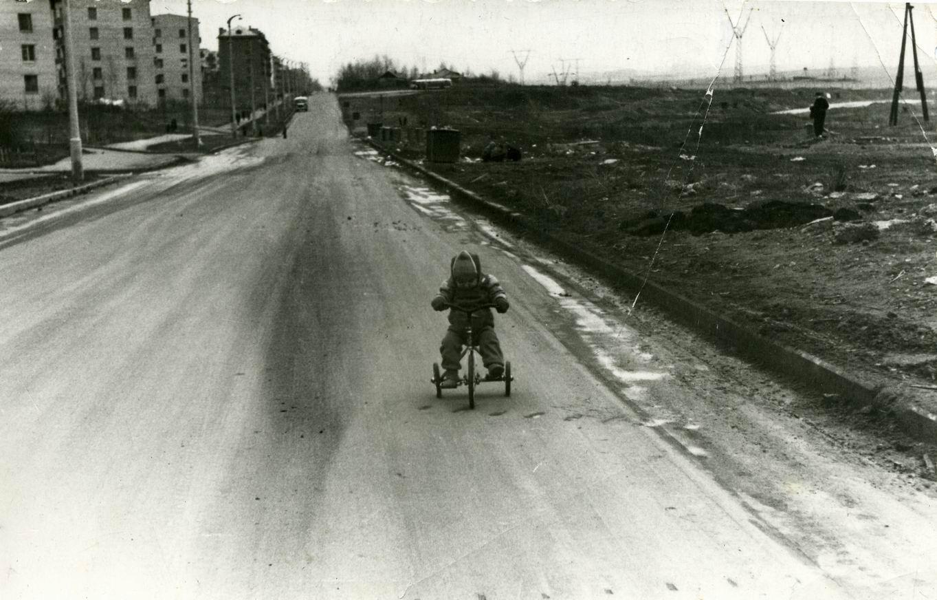 1966-67 на Озерной улице напротив дома 34 кор.1.