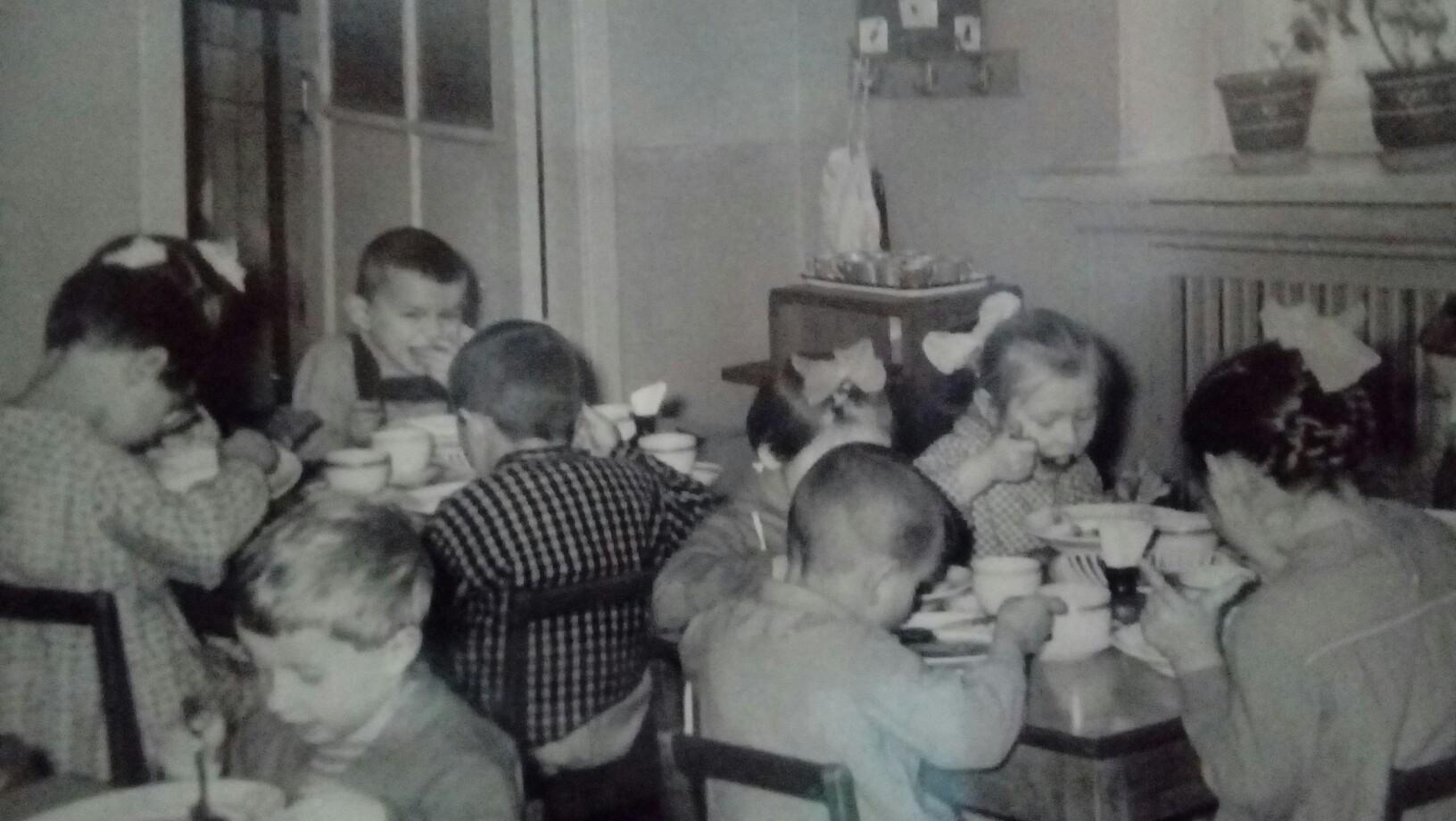 1962-63 Детский сад во дворе сахарного магазина. Татьяна Пичугина