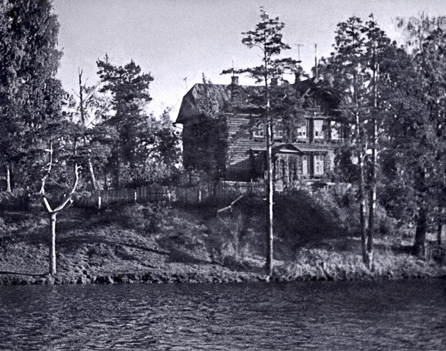 1963 Деревянный дом на берегу Очаковского пруда