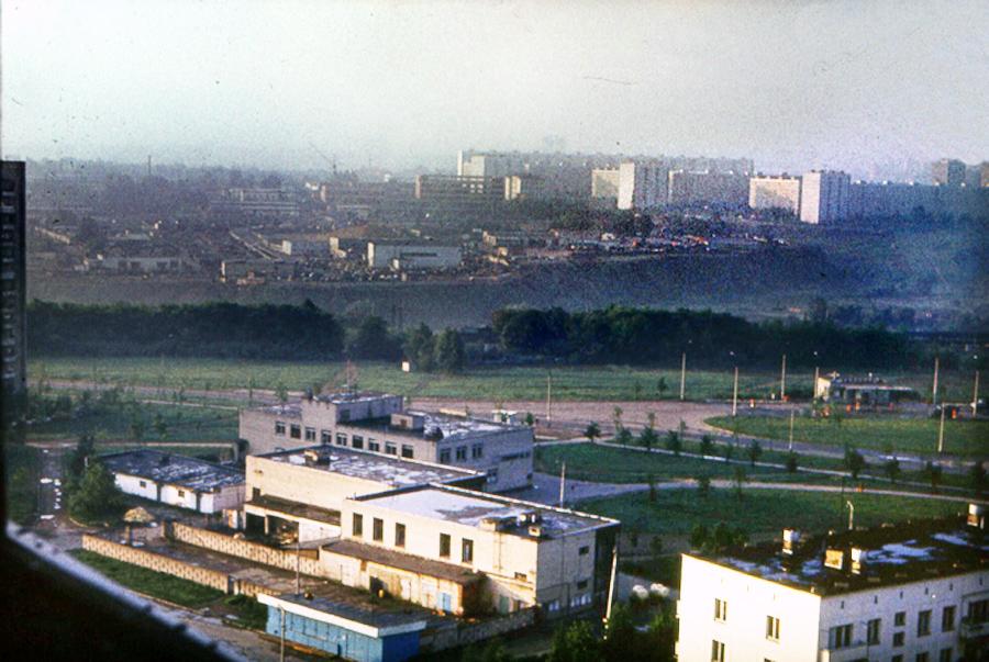 1975-79 Улица Веерная (Горка). На дальнем плане Раменки2