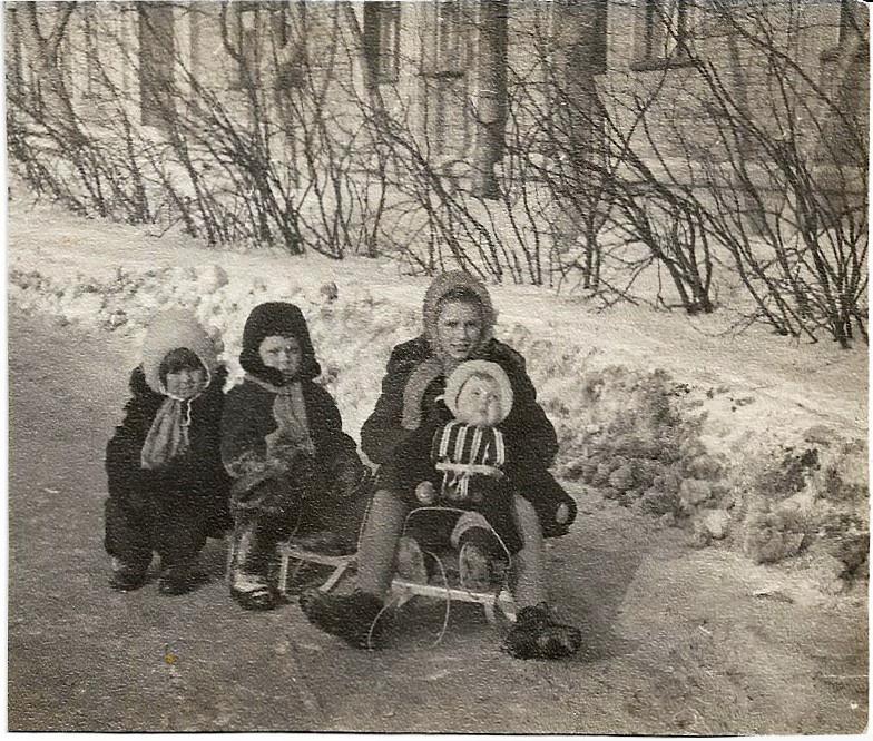 1966-67 с улицы Марии Поливановой, около дома №5