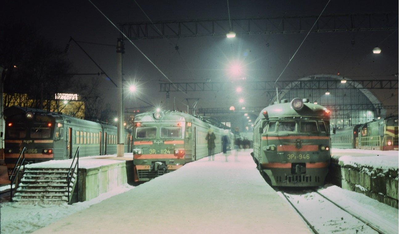 1986 Электрички на Киевском вокзале. 27 декабря 1986 г.