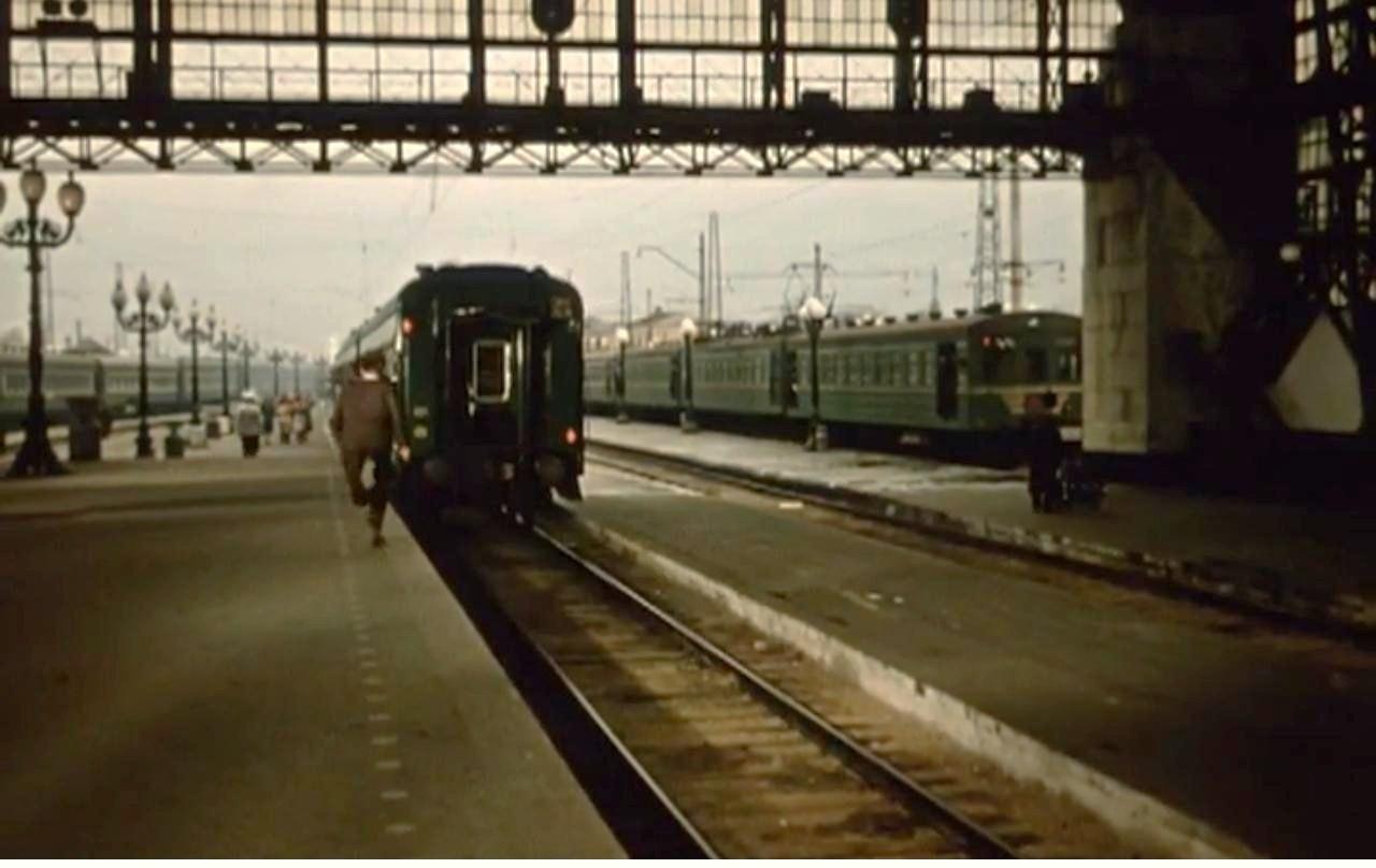 1959-60 Перрон Киевского вокзала, Состав СРзВ, из фильма Первое свидание