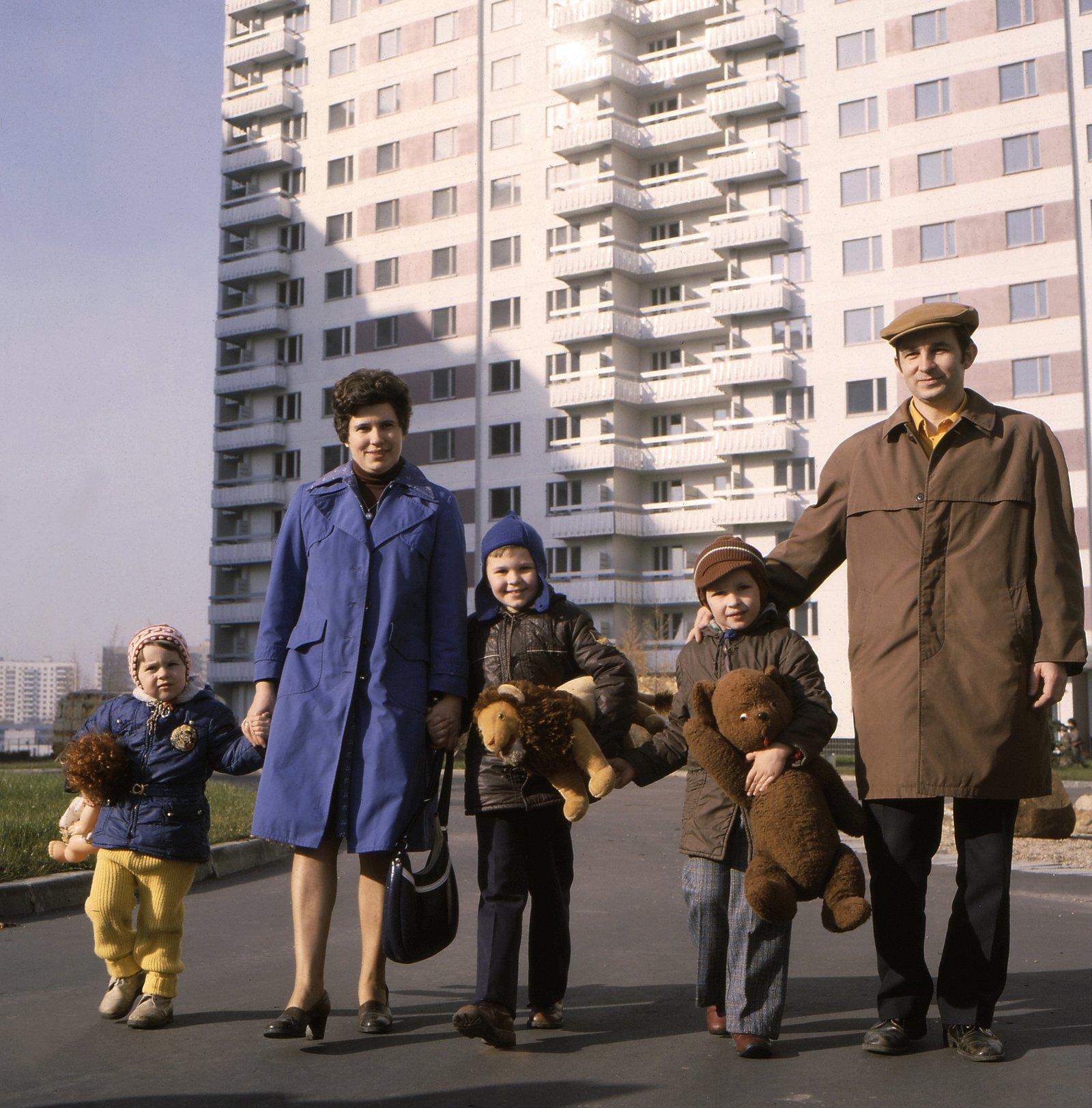 1980 Новосёлы Олимпийской деревни. Фото А. Князева. Главархив Москвы