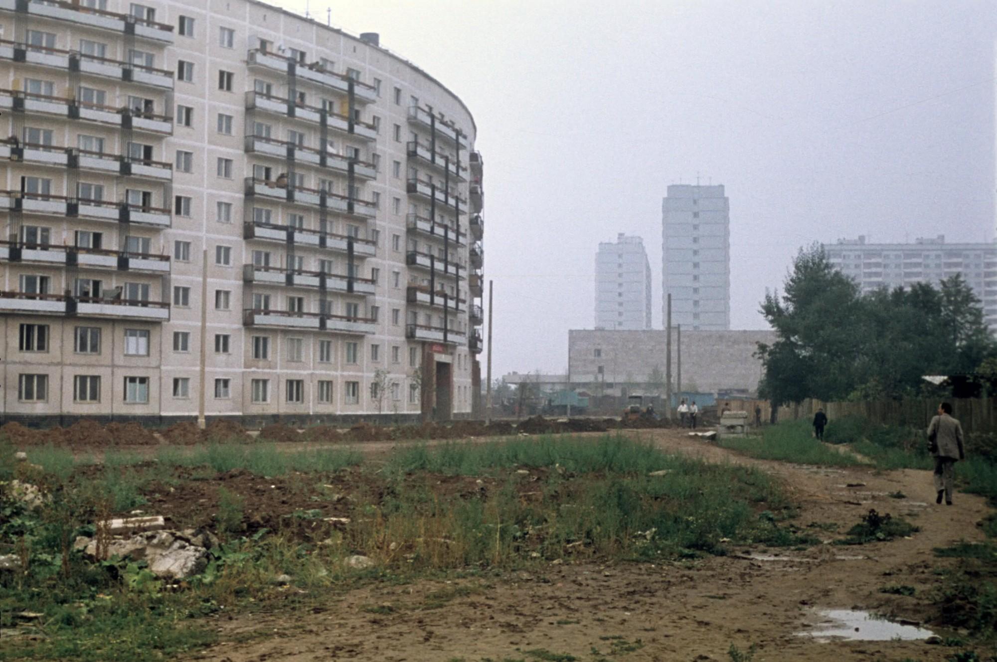 1972, сентябрь. Круглый дом в Матвеевском. Карл Эдуардович Александер. Архив Петра Завадовского