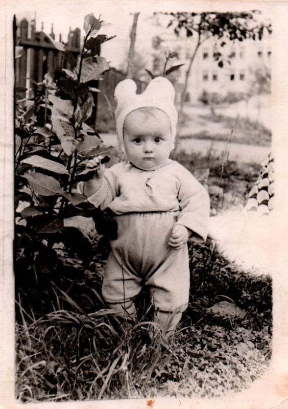 Детство в Очаково. Около 1960 г. Татьяна Пичугина