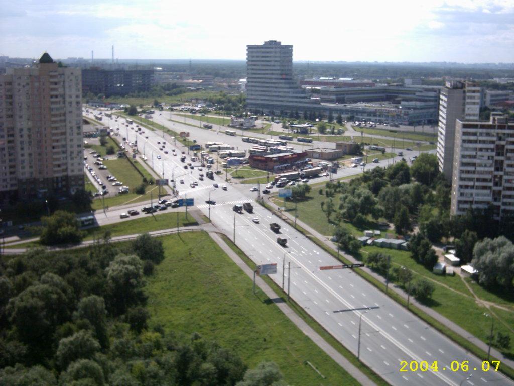 2004 Озерная площадь2