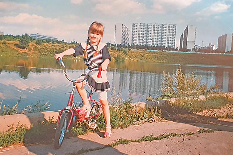 Будущая певица Афродита около 1999 г.