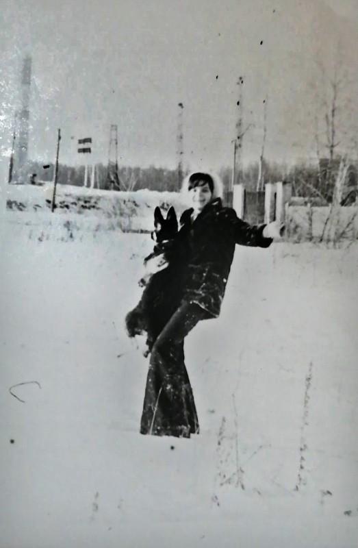 1975 Вид на жд, слева 1-й Очаковский и сахарный склад2