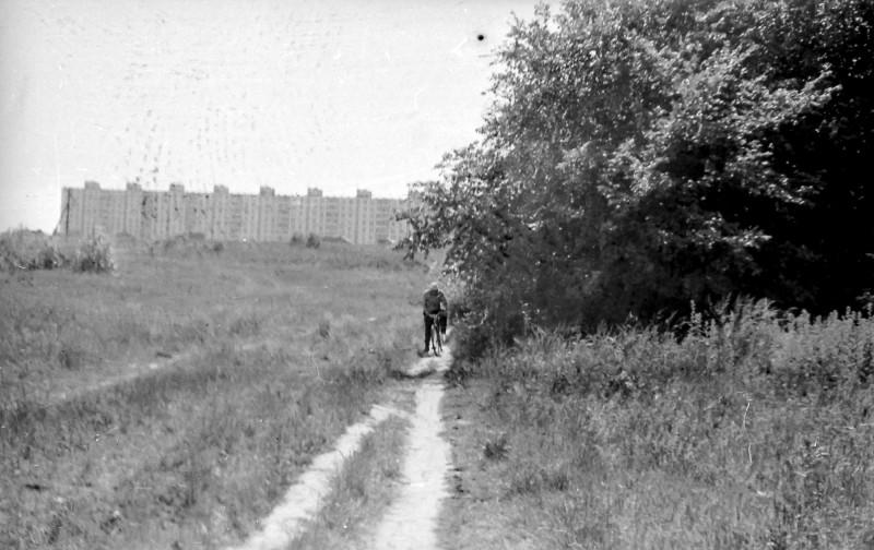 1975 на заднем плане МКАД и длинный дом в Востряково2