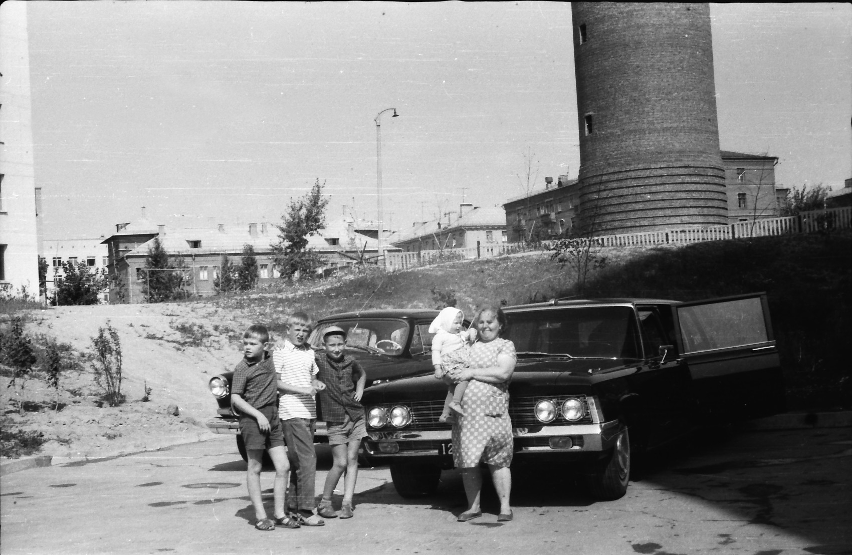 1969 Во дворе дома 4 по улице Елены Колесовой3