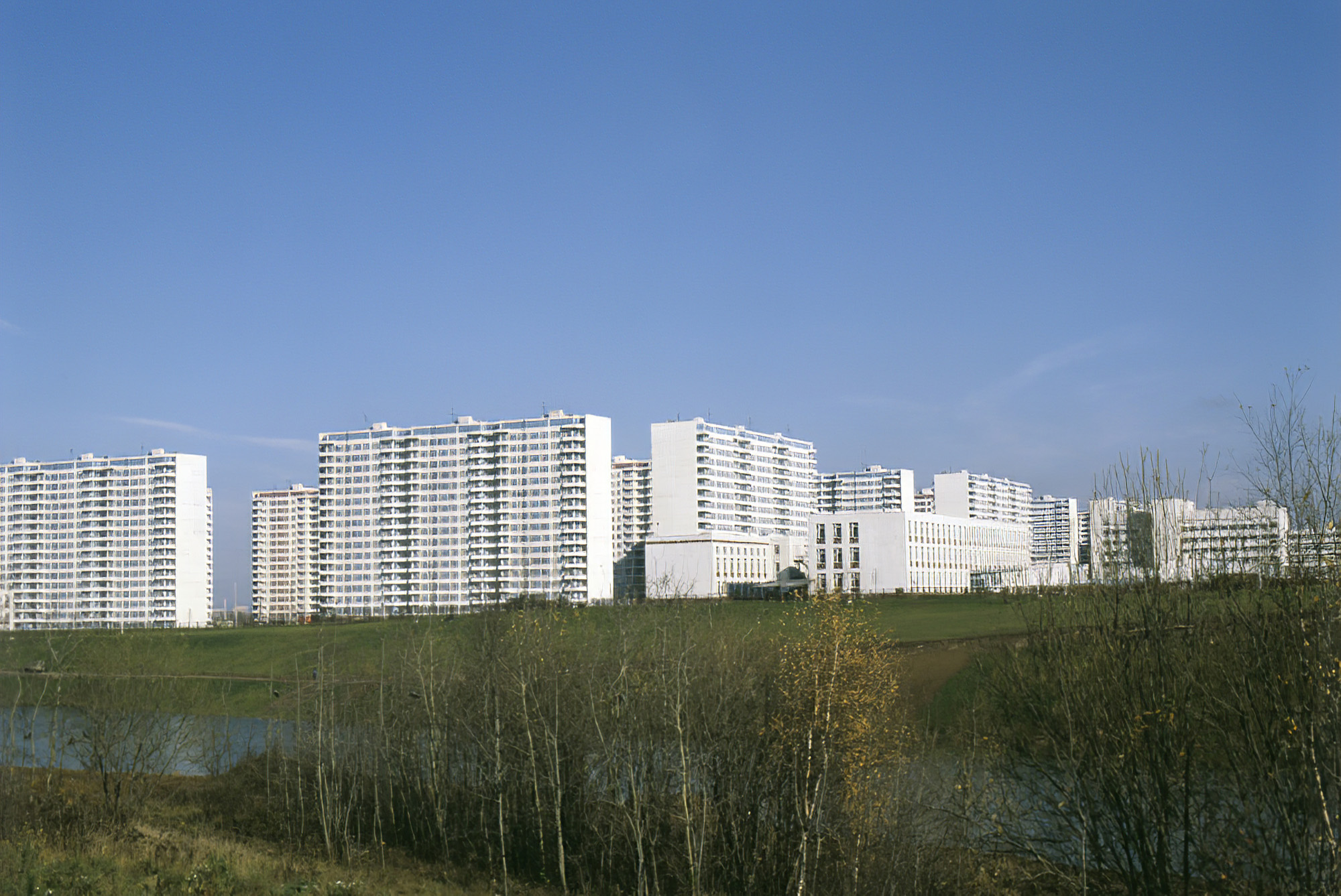 1980 Вид на Олимпийскую деревню. М.Барабанов