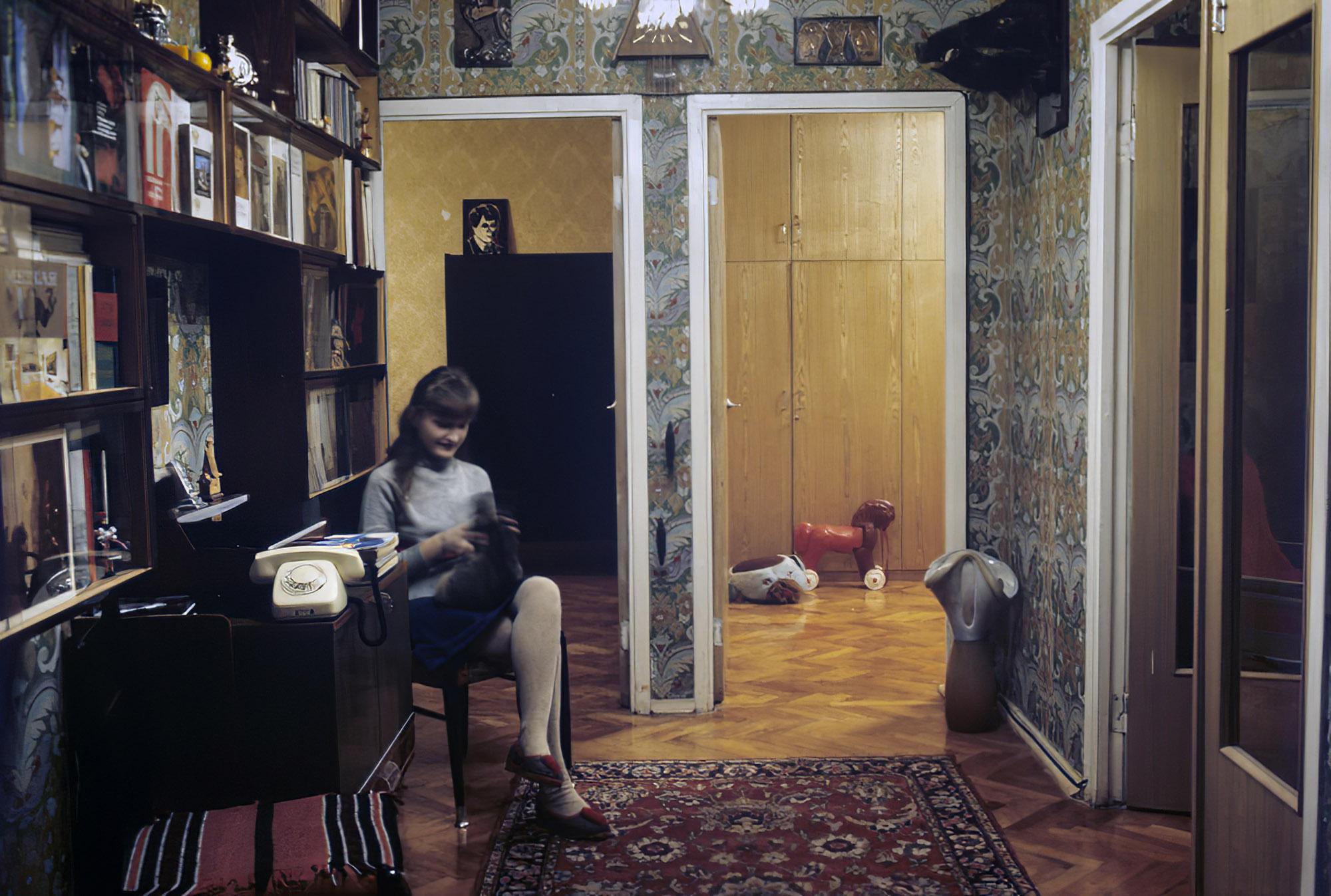 1981 В квартире одного из домов, построенных в Олимпийской деревне. А.Ковтун_cmpk