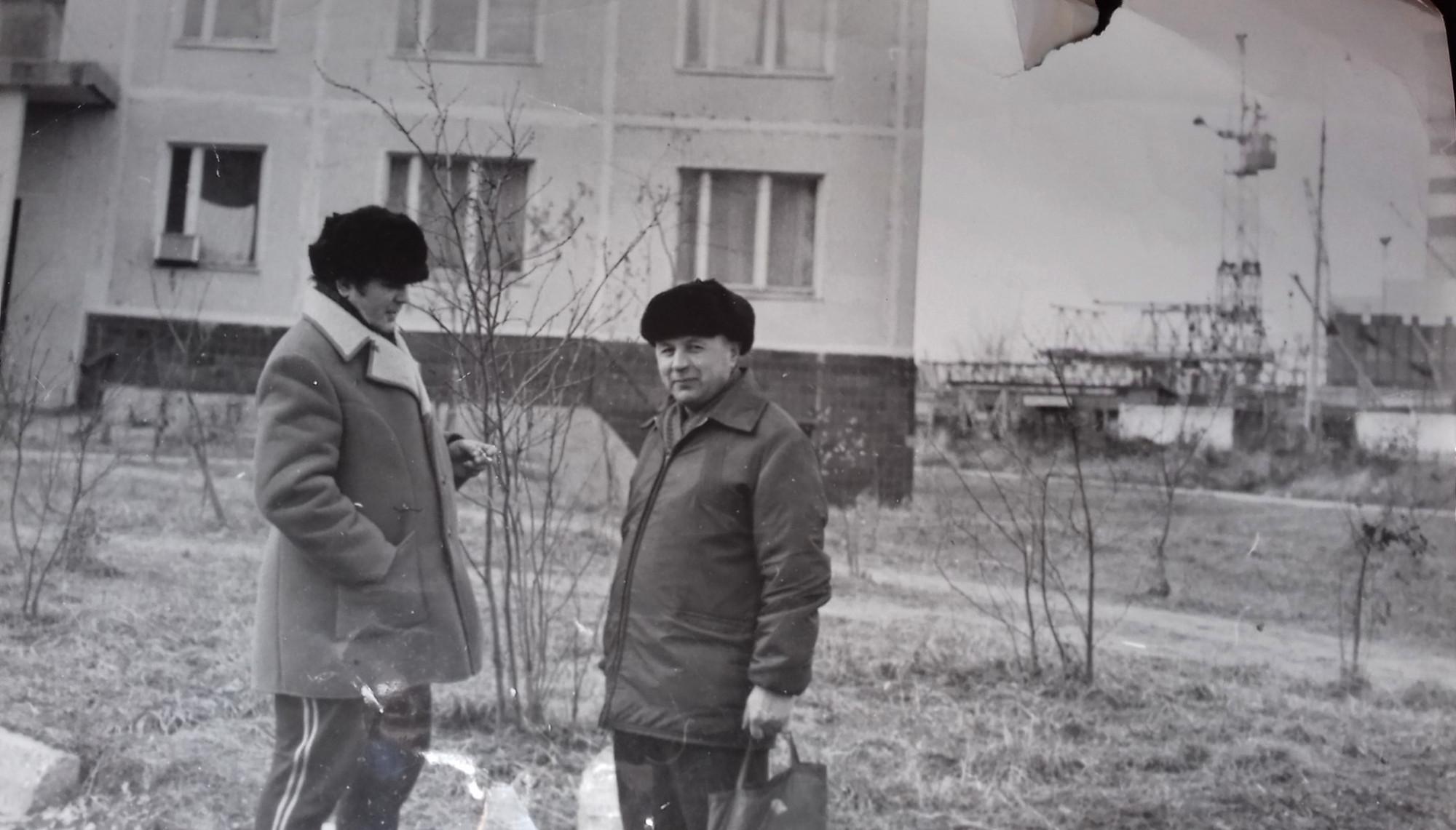 1974 Дом 11 Очаковское шоссе на заднем плане строят ТЭЦ. Елена Быстрова