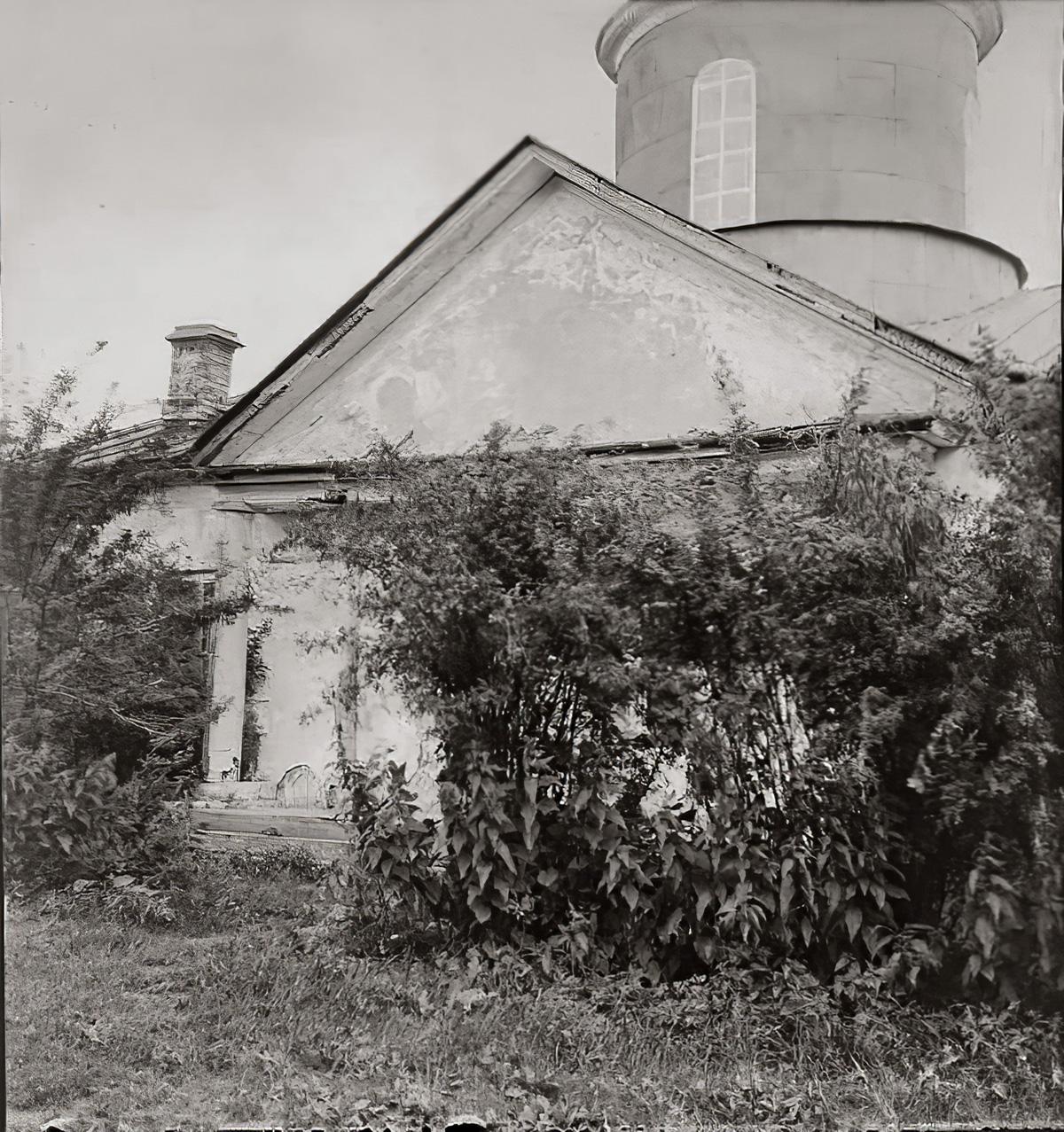 1920е Усадьба Очаково. Троицкая церковь 1850 г. Вид с запада. Торопов С.А.