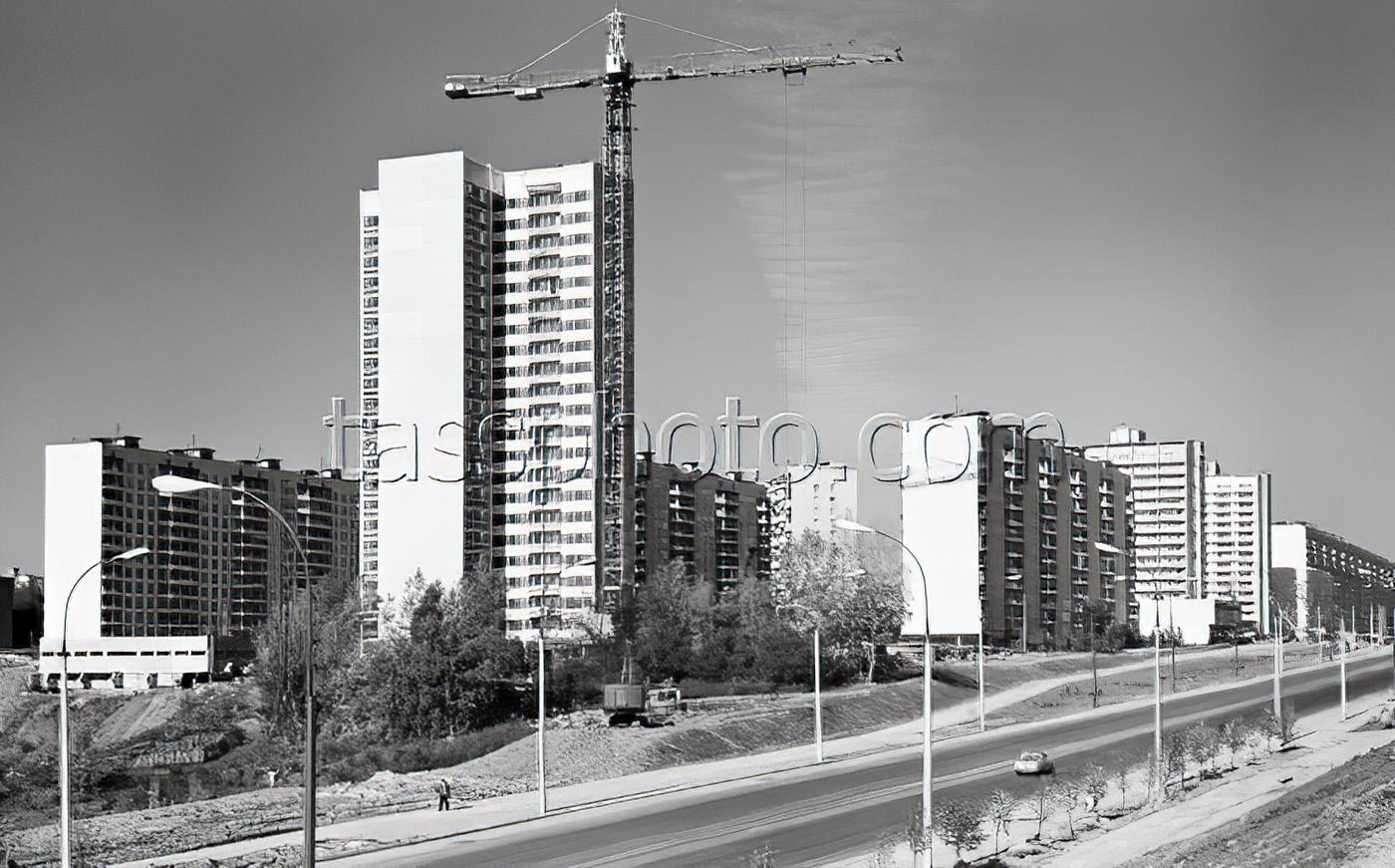 1979 г. Мичуринский проспект - трасса, которая свяжет Олимпийскую деревню с Ленинскими горами. Егоров Василий, Стужин Алексей