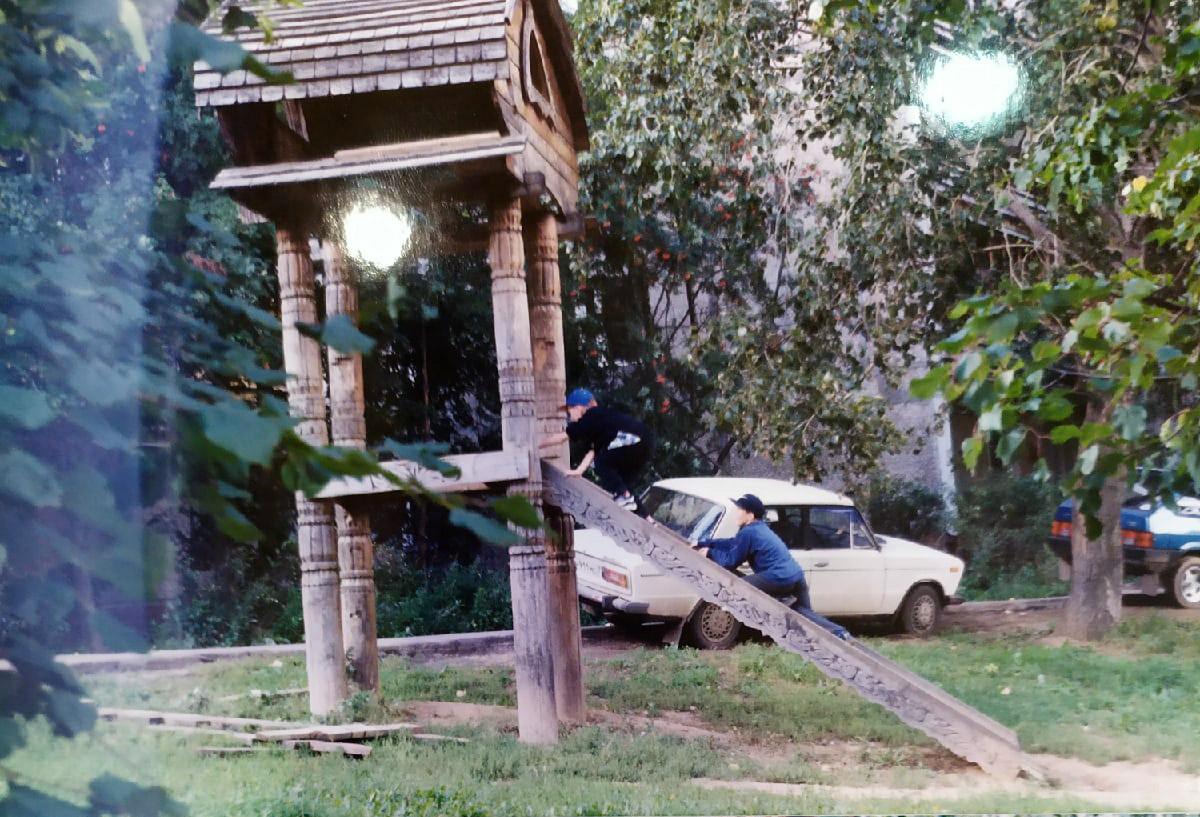 1995 Где-то в районе Очаковского пруда. Владимир Черныш