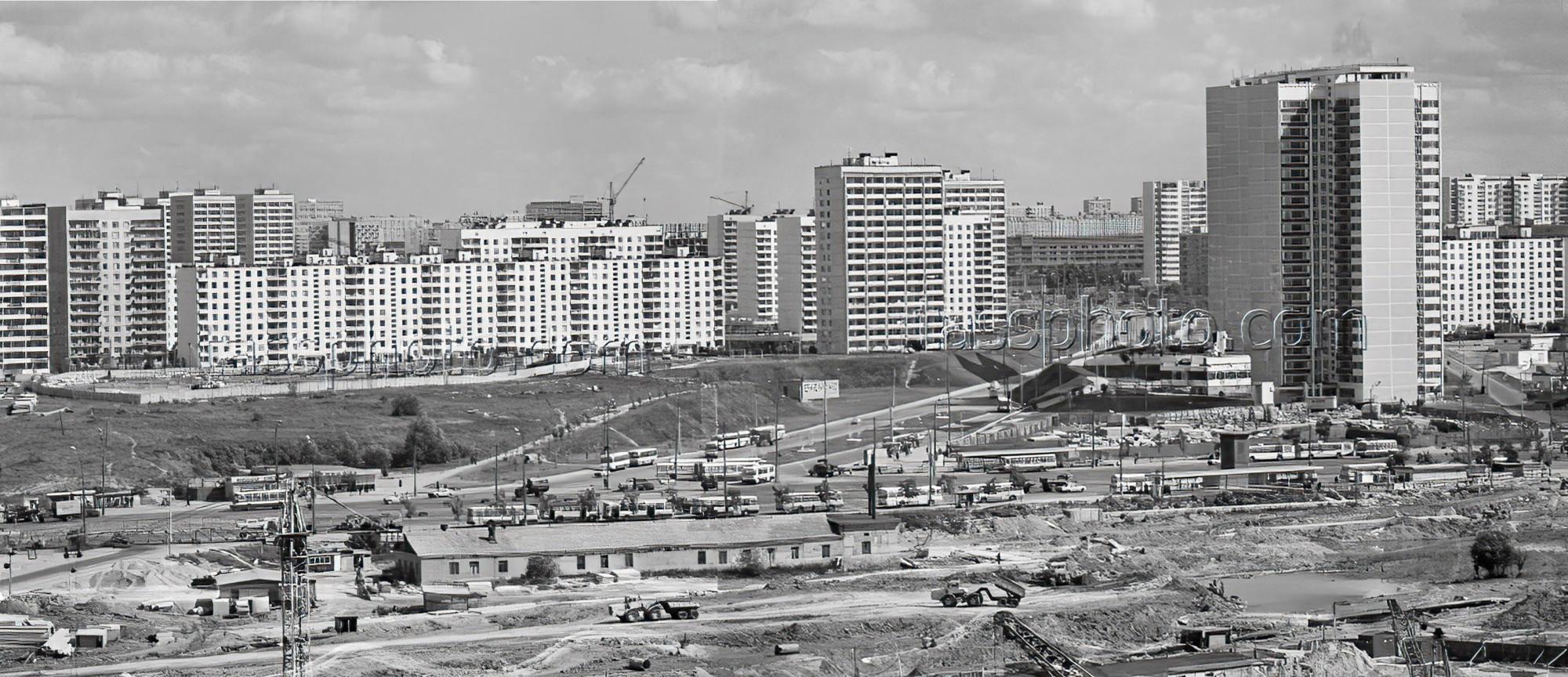 1975 Новый микрорайон Тропарево. Егоров Василий, Стужин Алексей, ТАСС