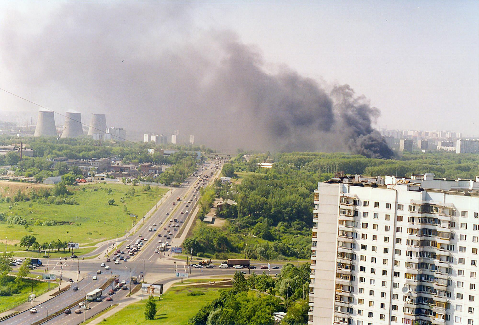 1998, 15 июня, вид с дома 96 по улице Лобачевского. Евгений С.