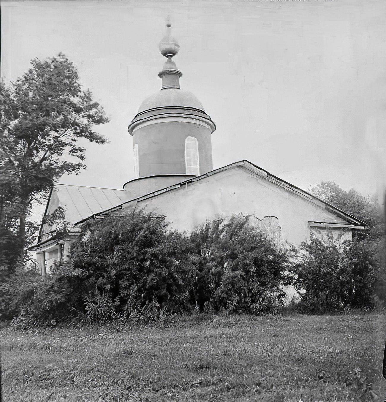 1920е Усадьба Очаково. Троицкая церковь, 1850 г. Общий вид с юго-запада. Торопов С.А.