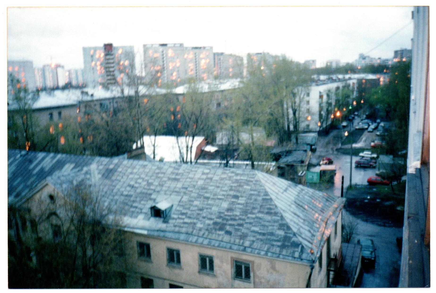 2005-2006 Вид из дома 15 на безымянный проезд. Мария Семенова