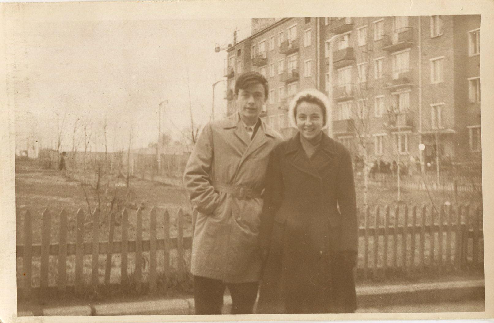 1961-63 двор ул. Б.Очак., 34 - М.Поливаной, д.4. Еще не построен д.2 по Марии Поливановой. Ольга Глотова