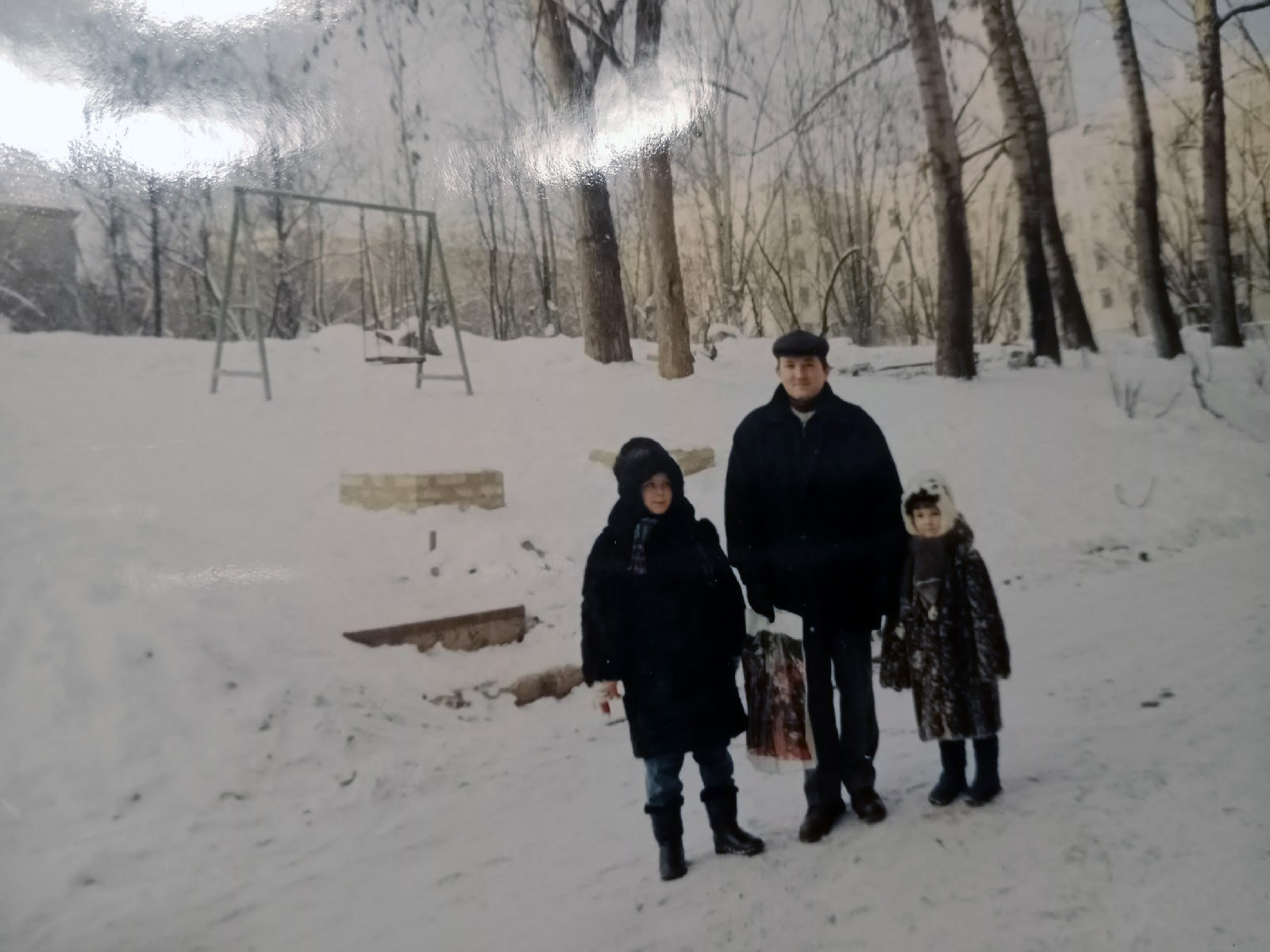 Двор за кулинарией. Пржевальского 6. Ольга Иванова2
