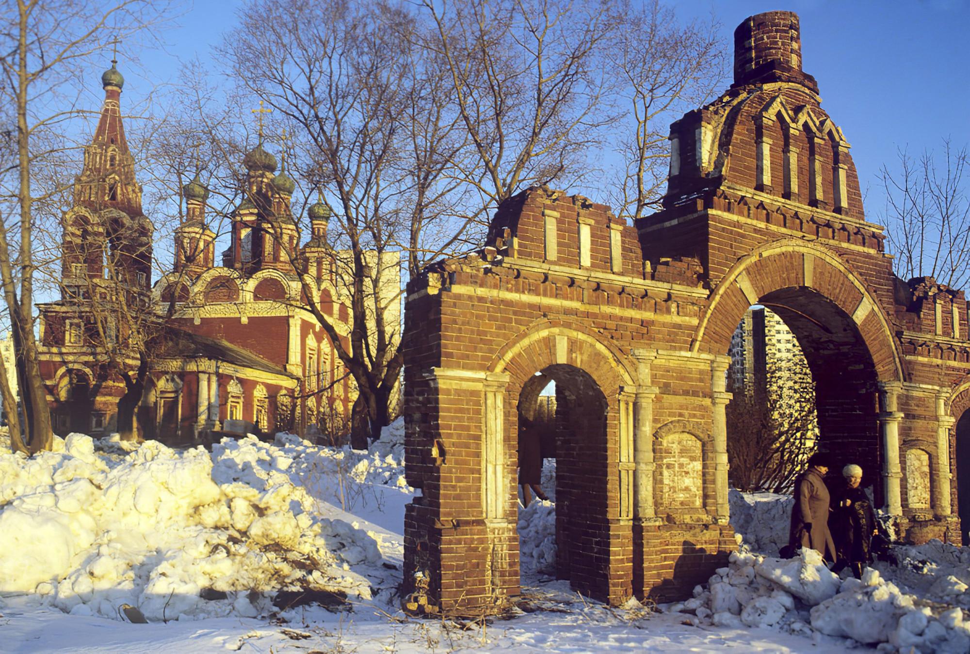 1989 Церковь Архистратига (Архангела) Михаила (1693-1694) в Тропареве. Борис Приходько_cmpk