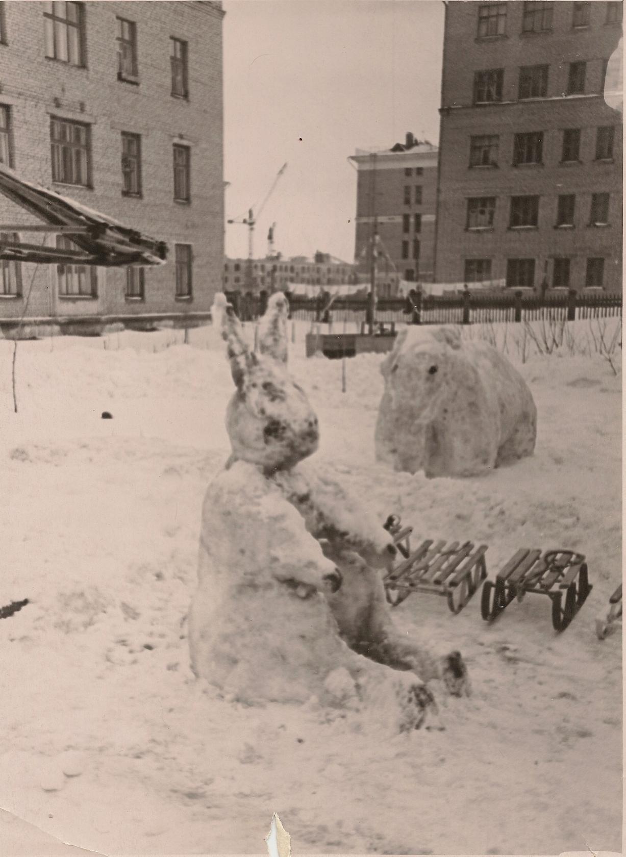 Детский сад на ул. Ленина (Б.Очаковская) 50-60-е годы XX века. Находился на 1-м этаже Общежития, на месте которого теперь находится ДМШ им. Таривердиева2