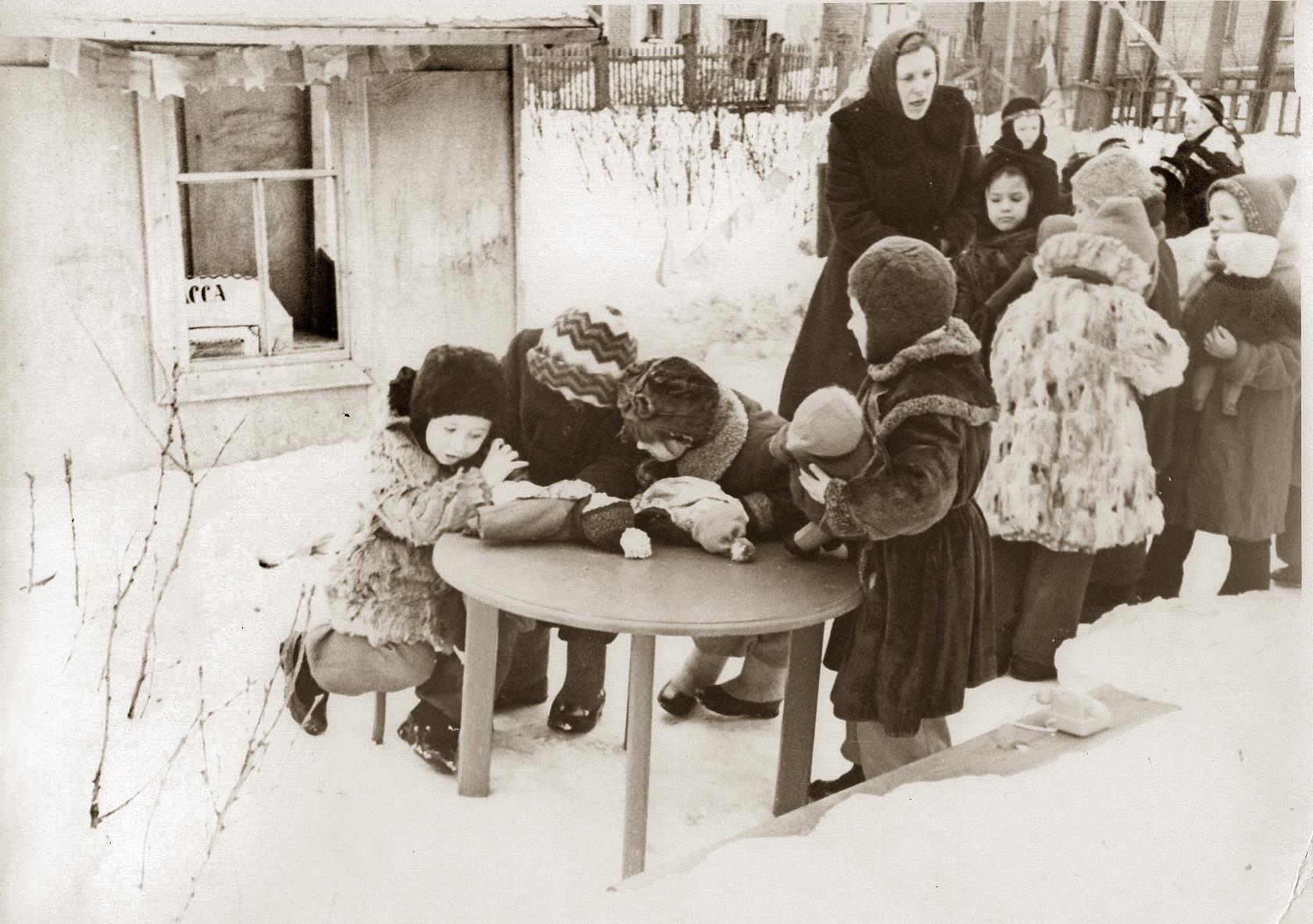 1959-60 Детский сад на ул. Ленина (Б.Очаковская). В.Разуваев