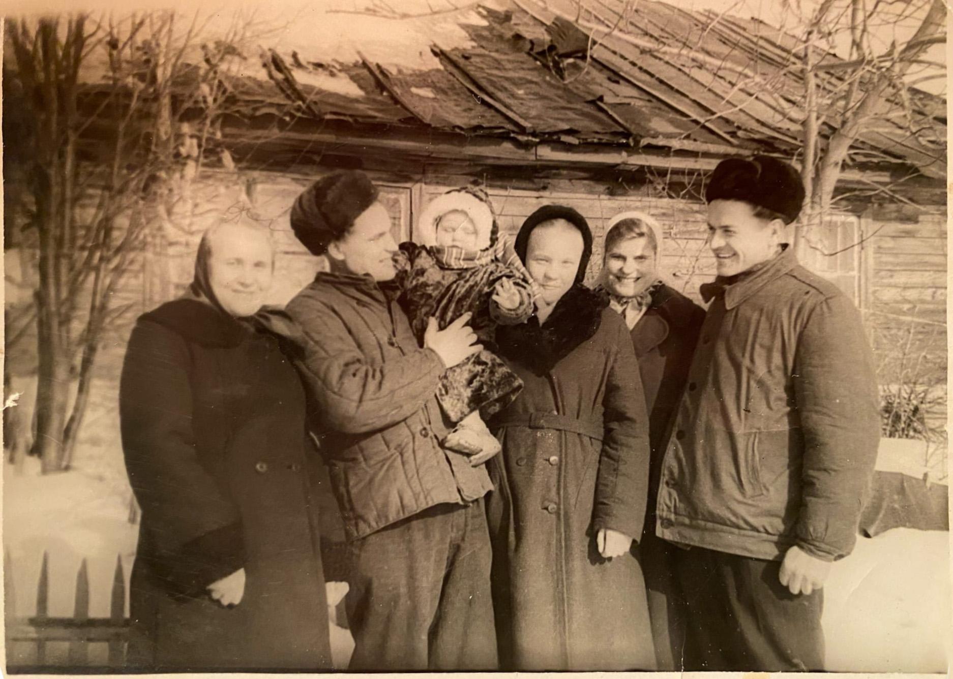 1954 Барак на Очаковском шоссе за домом 2к2. Алексей Азарных2