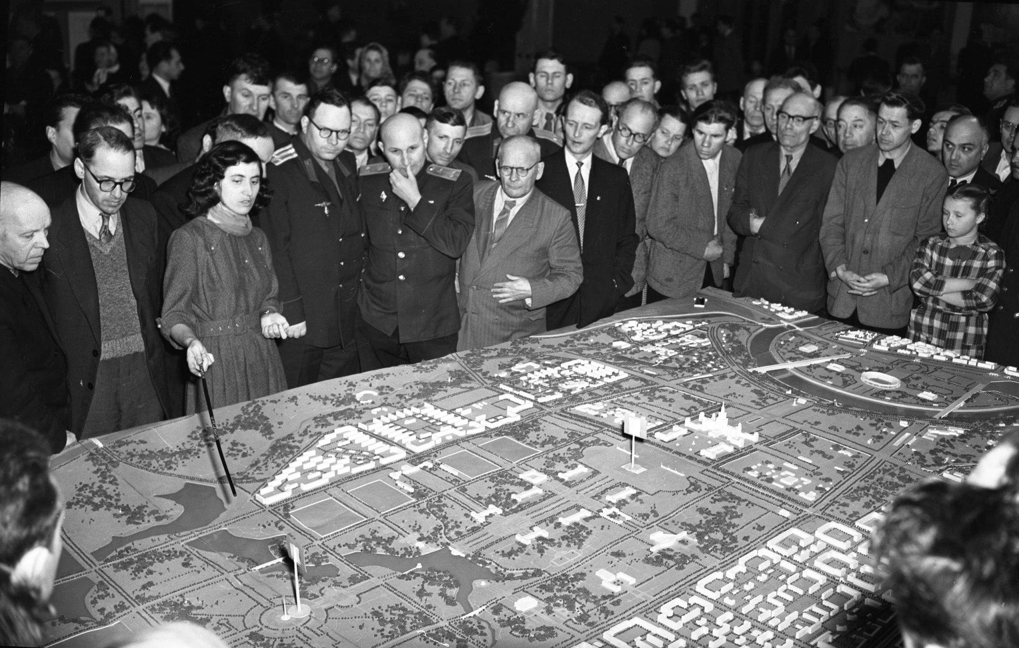 1957-59 Центральный выставочный зал. Макет застройки Юго-Западного района Москвы. Евзерихин Е.Н.