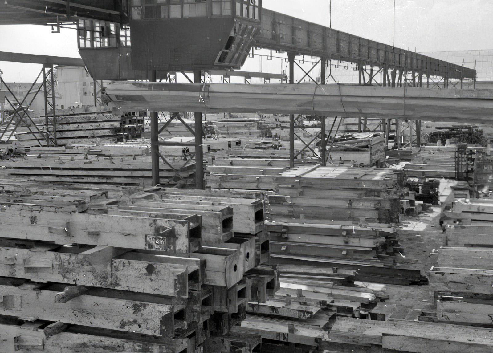 1951 Склад металлоконструкций на ст. Очаково (обеспечивает все высотные здания Москвы металлическими конструкциями для каркасов зданий)3