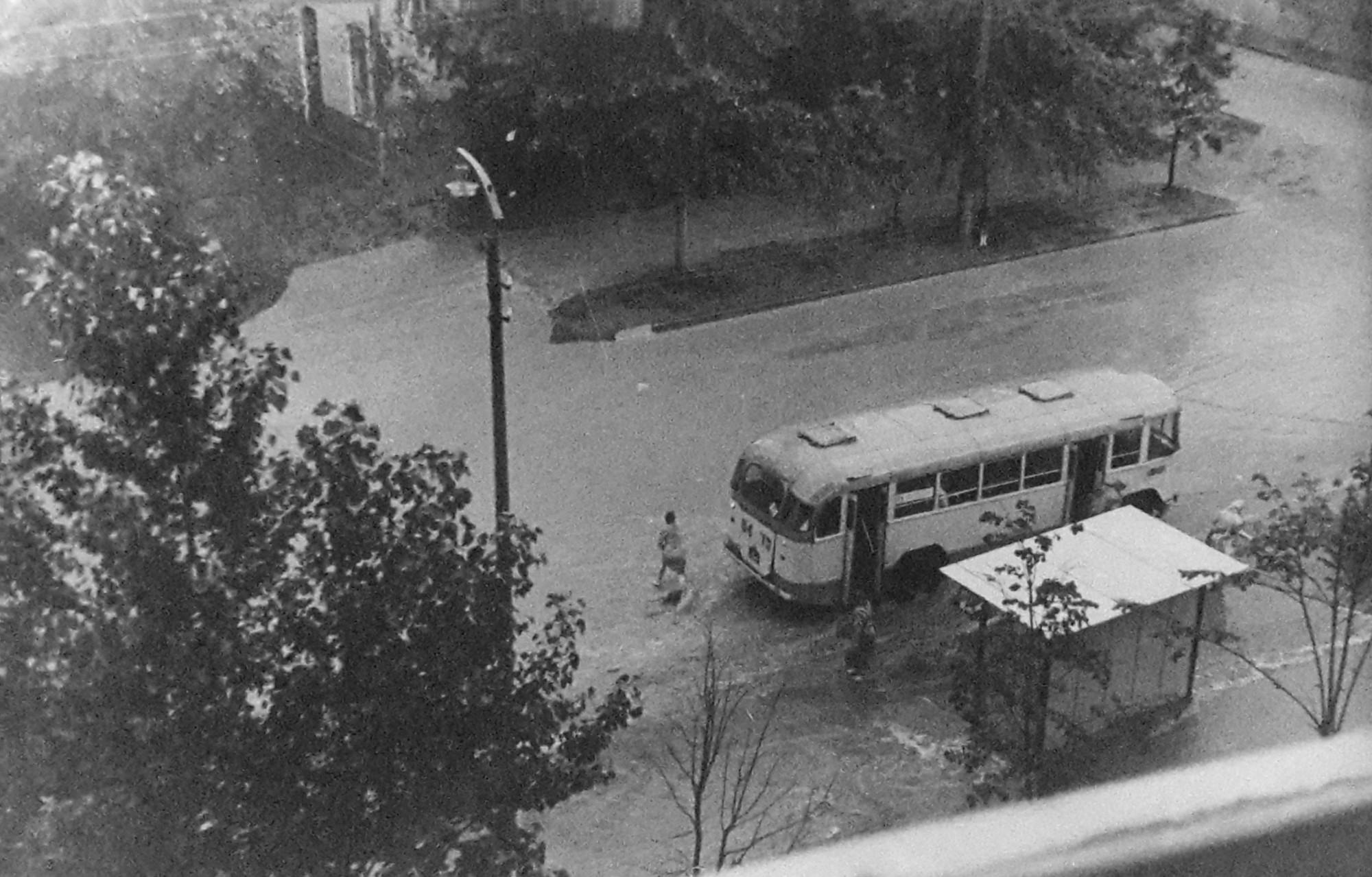 1970е вид из окна дома 21 ул. Б. Очаковская. Анна
