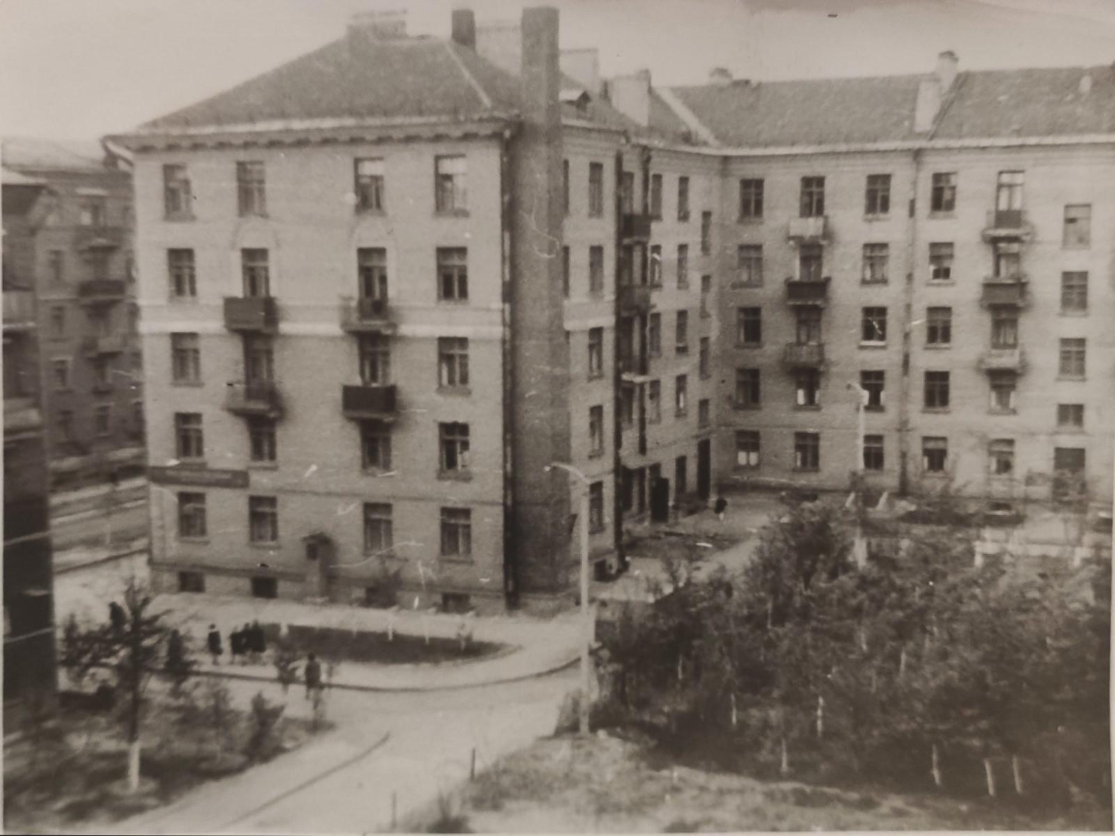 Дом 36 Б. Очак. фото с пятого этажа дома напротив (М.Полив., 4)3