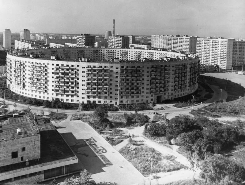 1976 Многоквартирный дом-кольцо. Марк Редькин