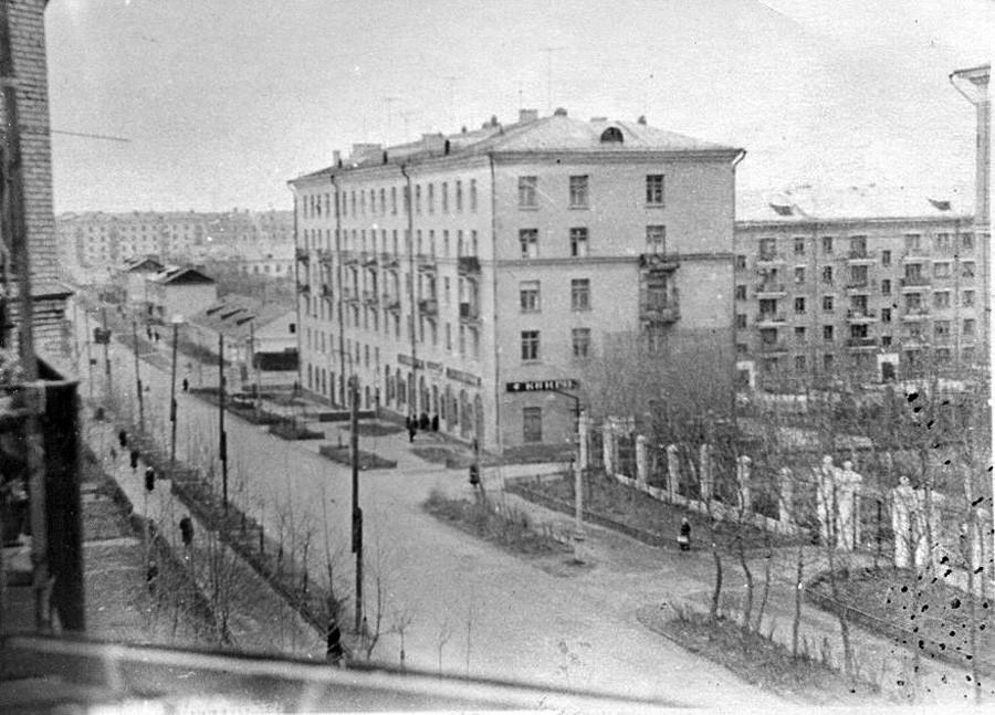 1960-62 вид с балкона дома N32 по Б. Очаковской улице. Вадим Разуваев2